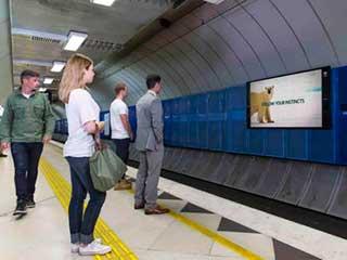 билборд в метро